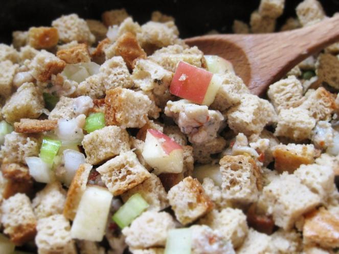 Sausage-Apple Slow Cooker Stuffing