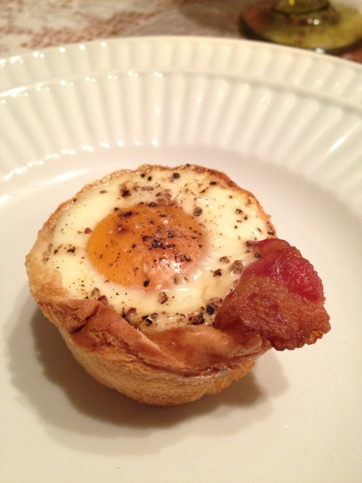 Bacon, Egg and Toast Cups (close up)